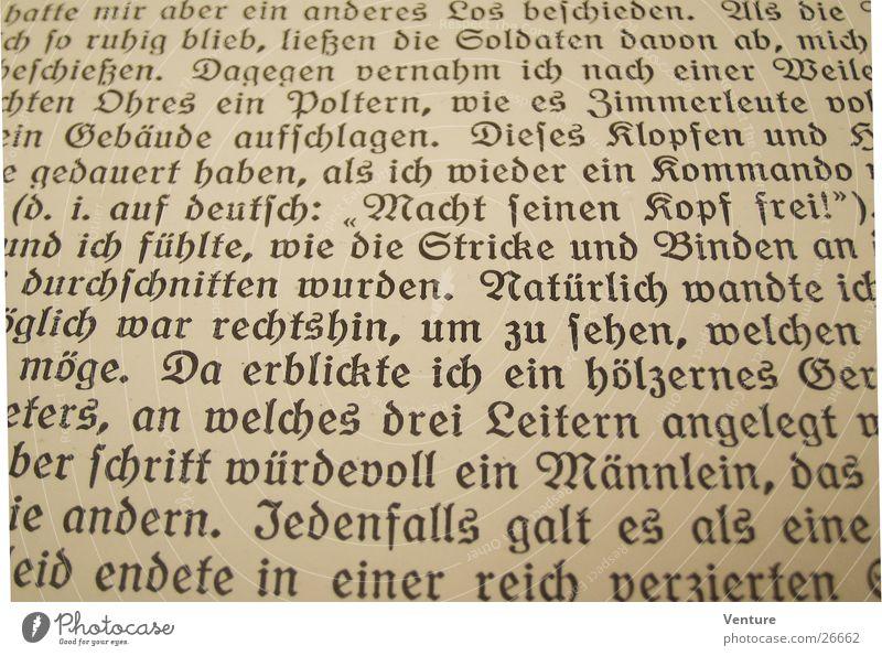 Kopf frei! (2) Buch Gotik Text Roman Wort vergilbt Ich Erzählung Fototechnik alt Perspektive Detailaufnahme gebraucht