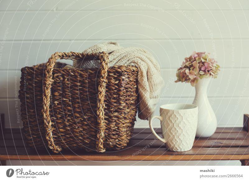 gemütliche Winter-Innenausstattung in Weiß- und Brauntönen Lifestyle Stil Design Erholung Haus Dekoration & Verzierung Tisch Herbst Blume Holz trendy modern