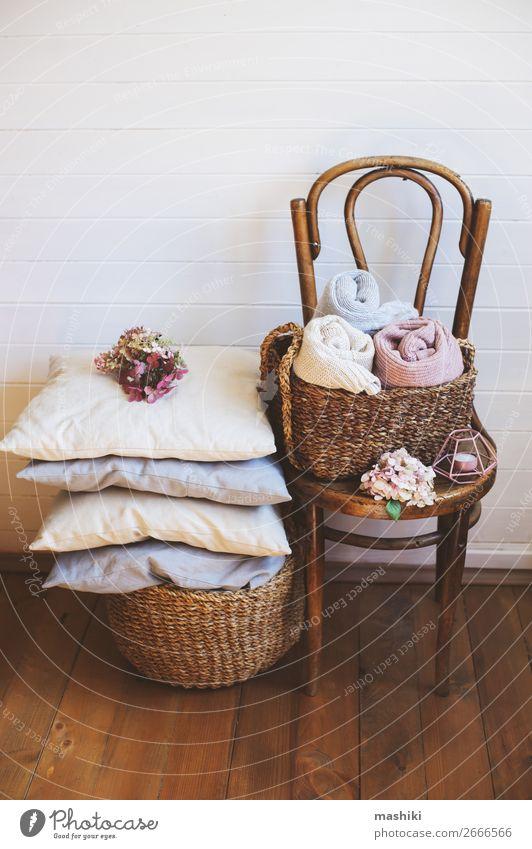 gemütliche Interieur-Details, skandinavischer minimalistischer Lifestyle. Stil Design Erholung Winter Haus Dekoration & Verzierung Stuhl Sammlung ästhetisch