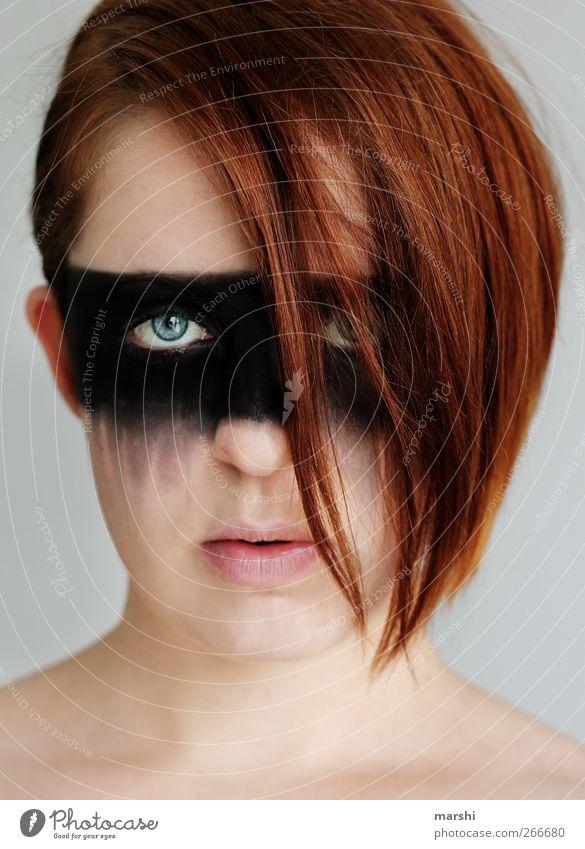 Rebell Mensch Frau Jugendliche Erwachsene feminin Gefühle Haare & Frisuren Kopf Stil Kraft Junge Frau 18-30 Jahre Coolness Maske Mut Schminke