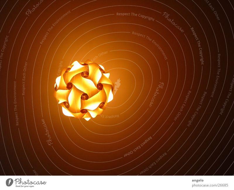 paper lamp Lampe Illumination Kunsthandwerk Knäuel Deckenlampe Lichtdesign Lichtobjekt