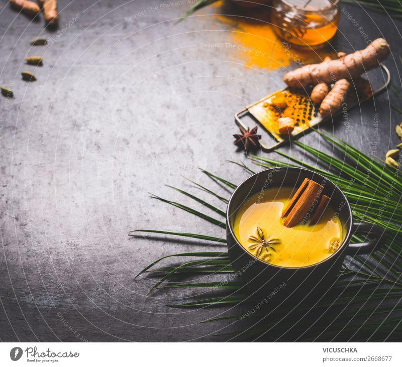Tasse mit goldenem Gelbwurz Milch und Gewürzen Lebensmittel Kräuter & Gewürze Ernährung Bioprodukte Diät Asiatische Küche Getränk Heißgetränk Tee Geschirr Stil