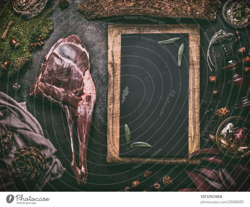 Rehkeule auf dunklem Küchentisch Lebensmittel Fleisch Ernährung Festessen Geschirr Stil Design Häusliches Leben Tisch Restaurant Hintergrundbild Wildfleisch