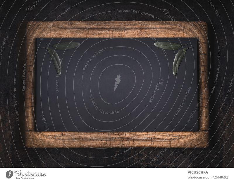 Schwarze Kreidetafel in Holzrahmen-Hintergrund schwarz Tafel hölzern Rahmen alt altehrwürdig Textur blanko weiß Raum Zeichnung Grunge schließen leer Schule