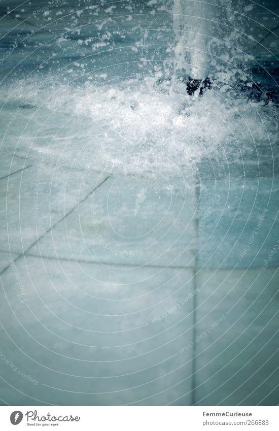 Sparkling. blau Wasser Garten Schwimmen & Baden Park Zufriedenheit frisch Wellen Wassertropfen Trinkwasser nass Urelemente Schwimmbad Fliesen u. Kacheln