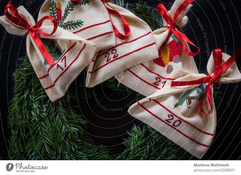 Adventskranz Dekoration & Verzierung Adventskalender Weihnachten & Advent Zeichen Schriftzeichen Ziffern & Zahlen retro grün rot weiß Glück Zufriedenheit