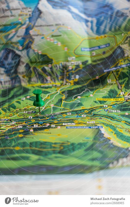 Ferien & Urlaub & Reisen Farbe grün Straße Ausflug Fotografie Papier planen Symbole & Metaphern zeigen Landkarte Örtlichkeit Entwurf horizontal Anleitung
