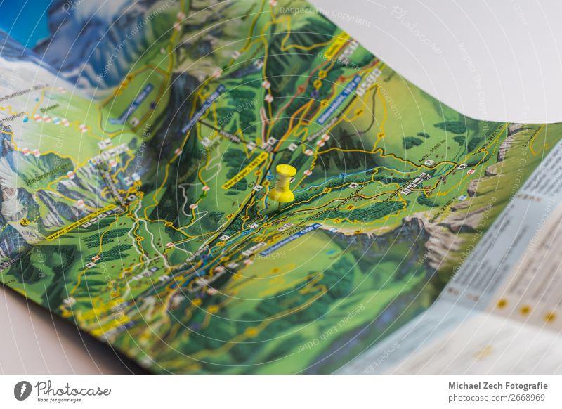 Ferien & Urlaub & Reisen Farbe Straße gelb Ausflug Fotografie Papier planen Symbole & Metaphern zeigen Landkarte Örtlichkeit Entwurf horizontal Anleitung