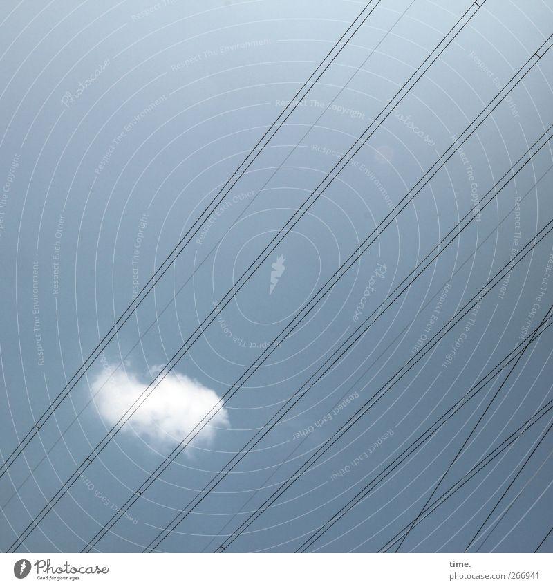 Exploring Phantasy Technik & Technologie Informationstechnologie Hochspannungsleitung Elektrizität Himmel Wolken Schönes Wetter ästhetisch Einsamkeit
