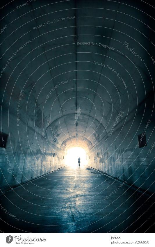 Wiedersehen 1 Mensch Tunnel Wege & Pfade entdecken gehen dunkel frei Unendlichkeit hell blau schwarz weiß trösten ruhig Hoffnung Glaube Tod Fernweh Einsamkeit