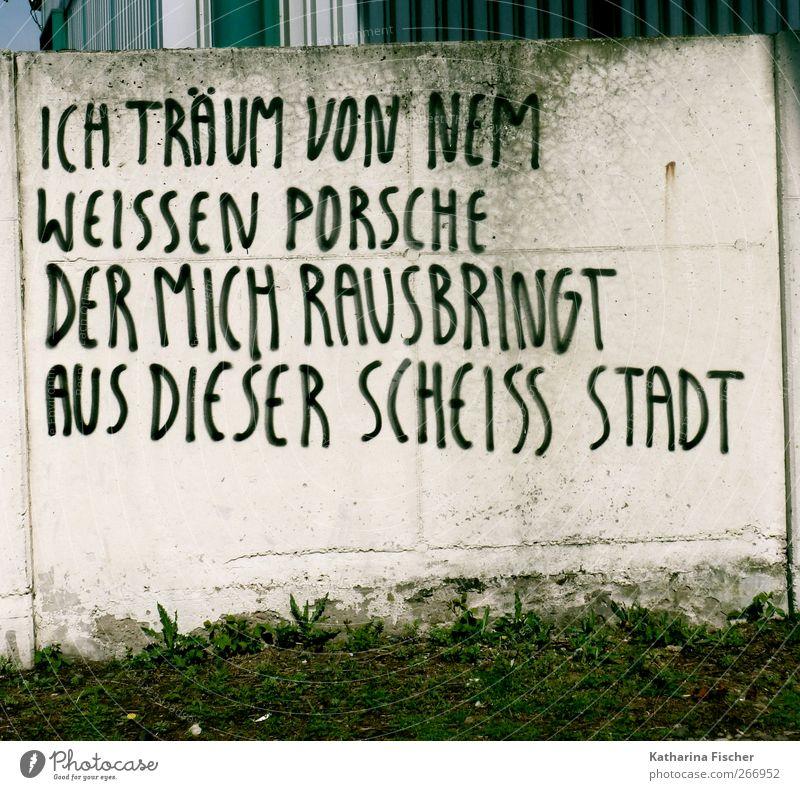 # Stadt Menschenleer Mauer Wand Stein Beton braun grün schwarz weiß Sehnsucht Fernweh Verzweiflung Schrift Schriftzeichen Buchstaben Wort Graffiti