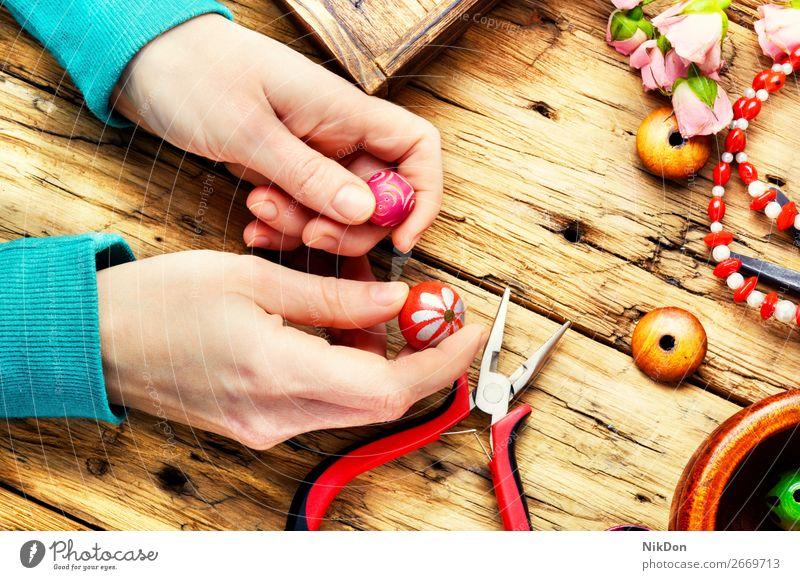 Handgemachte Perlen für Handarbeit Wulst handgefertigt Handwerk farbenfroh Schmuck Mode Dekoration & Verzierung Design Halskette Kunst Frau schön Hobby Armband