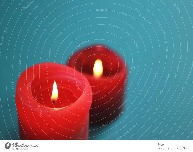 Kerzenlicht... blau schön rot ruhig gelb Leben Stimmung Ordnung ästhetisch leuchten Häusliches Leben stehen Dekoration & Verzierung Romantik einzigartig Kerze