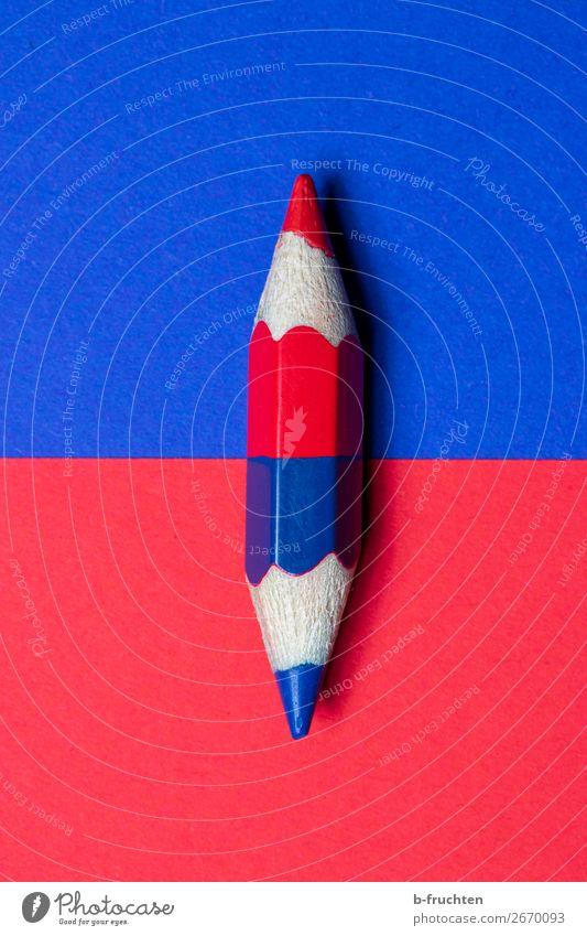 Blau oder Rot Büro Wirtschaft sprechen Schreibwaren Papier Schreibstift Kommunizieren einfach blau rot Zufriedenheit Mittelpunkt Symmetrie Politik & Staat Farbe
