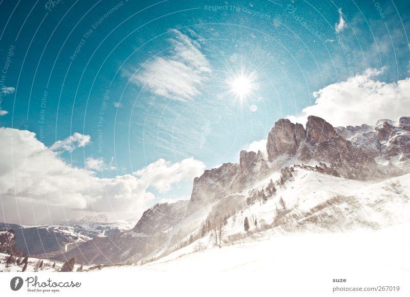 Wie im Winter Himmel Natur blau Ferien & Urlaub & Reisen Wolken Landschaft Umwelt Berge u. Gebirge Schnee Frühling Schneefall Felsen außergewöhnlich Klima groß