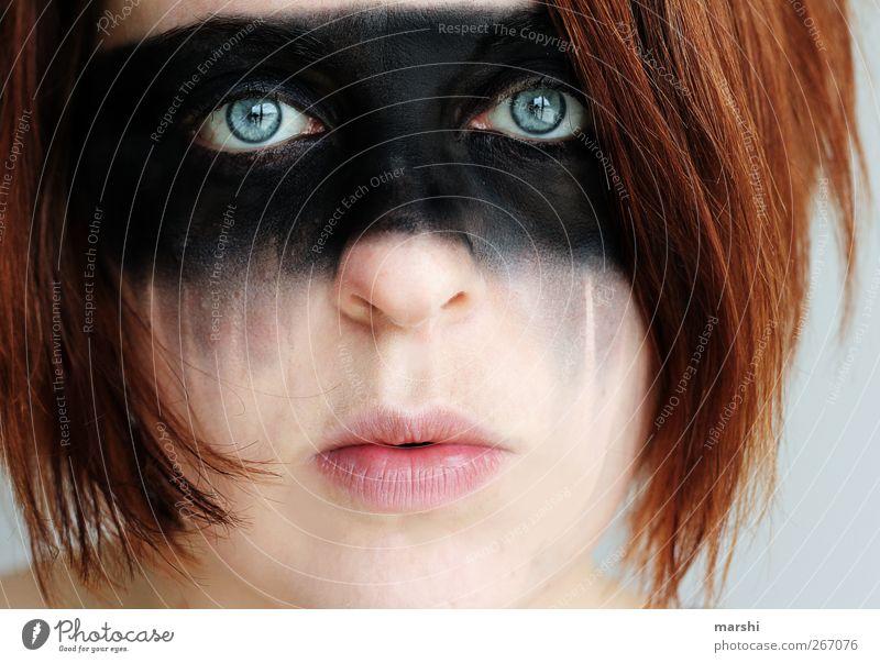 sad Mensch Frau Gesicht Erwachsene feminin Gefühle Haare & Frisuren Kopf Traurigkeit Stil Stimmung Angst Maske Schminke Verzweiflung rothaarig