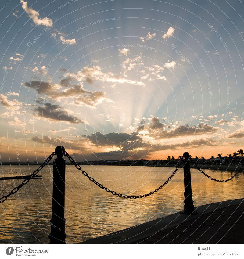 Die letzten Sonnenstrahlen Himmel Natur Ferien & Urlaub & Reisen Meer Sommer Wolken gelb Herbst Gefühle Küste Wege & Pfade Horizont Zufriedenheit gold Klima