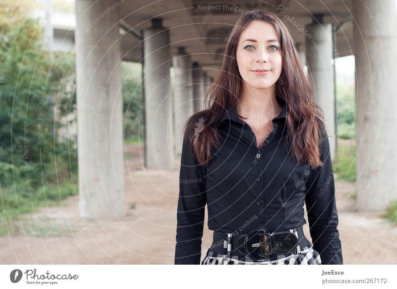 #267172 Stil schön Frau Erwachsene Leben Mode beobachten entdecken Erholung genießen Lächeln träumen authentisch Fröhlichkeit einzigartig natürlich stark