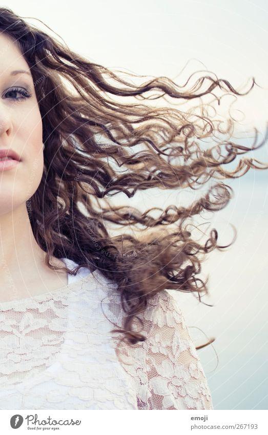 swirls Mensch Jugendliche schön Erwachsene feminin Haare & Frisuren Junge Frau 18-30 Jahre Locken schwingen luftig
