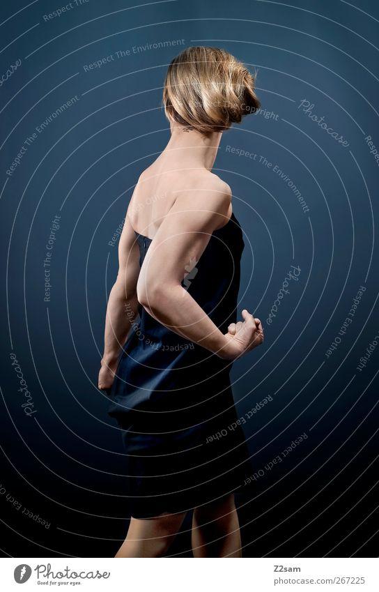 TAFF elegant Stil feminin Junge Frau Jugendliche 18-30 Jahre Erwachsene Kleid Haare & Frisuren blond stehen ästhetisch sportlich dunkel Gesundheit schön