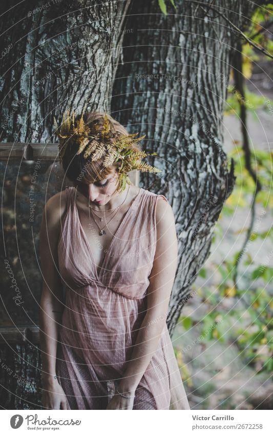 Frau Mensch Natur Jugendliche Junge Frau schön Erotik Freude 18-30 Jahre Lifestyle Erwachsene Umwelt feminin Stil Mode Design