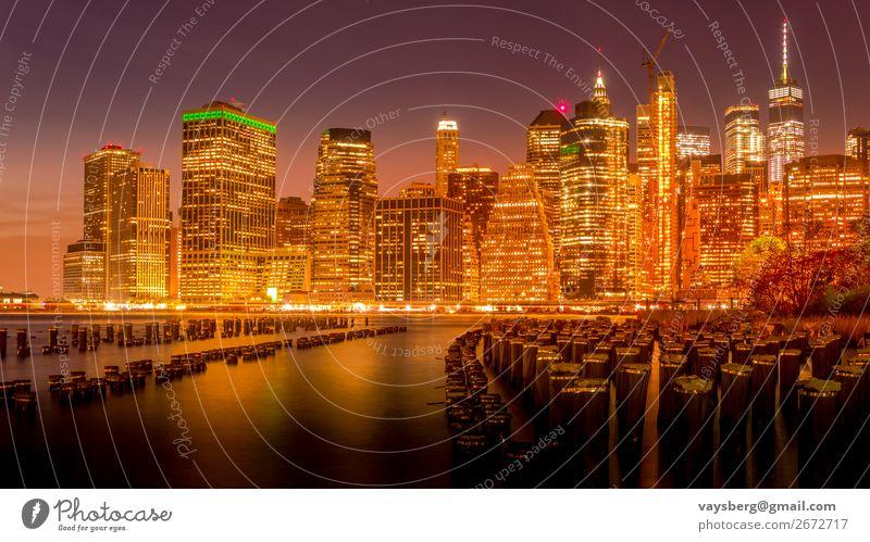 Manhattan Skyline bei Nacht Architektur Blaue Stunde Brücke Brooklyn Brooklyn Bridge bei Sonnenuntergang Gebäude Business Großstadt Stadtbild Revier