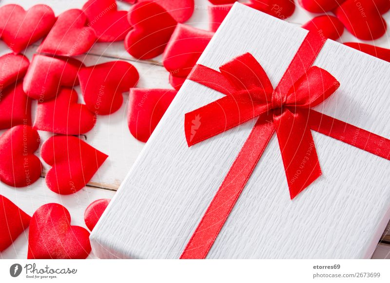 Ferien & Urlaub & Reisen rot Holz Liebe Feste & Feiern Herz Geschenk Romantik Hochzeit Symbole & Metaphern Konzepte & Themen Feiertag Valentinstag Gegenwart