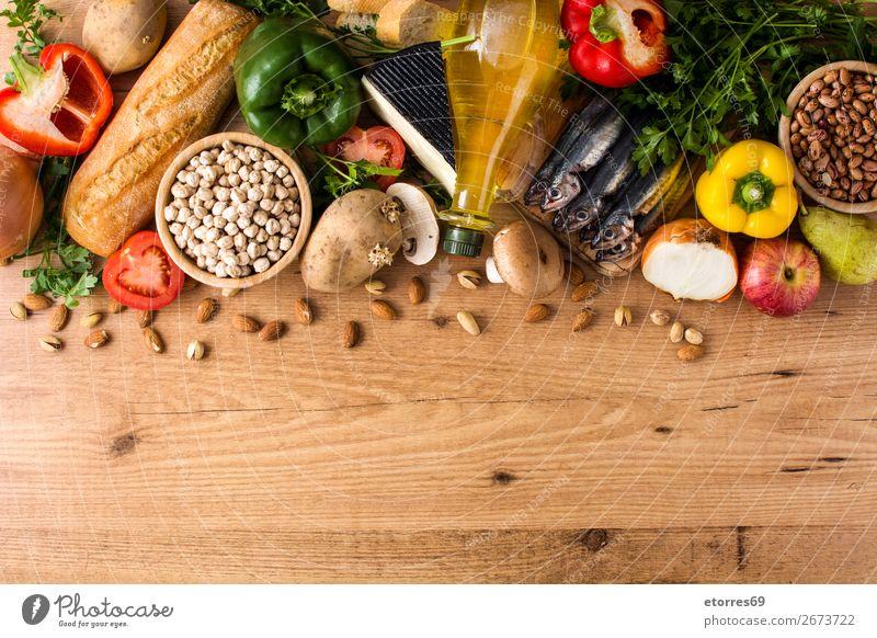 Gesunde Ernährung. Mediterrane Ernährung. Obst und Gemüse Mittelmeer mediterran Diät Gesundheit Lebensmittel Foodfotografie Frucht Fisch Getreide Nuss Oliven