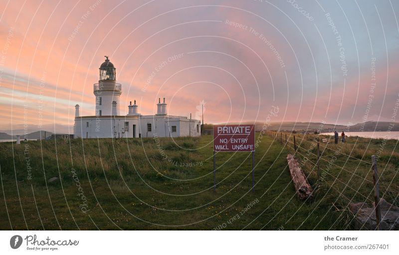 Private Lighthouse harmonisch Tourismus Freiheit Strand Meer Sommer Herbst Nordsee Dorf Fischerdorf Hafenstadt Menschenleer Leuchtturm Schifffahrt historisch