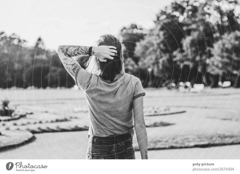 don't look back in anger - [LS154] Lifestyle Ferien & Urlaub & Reisen Sommer Sommerurlaub Junge Frau Jugendliche Erwachsene Kindheit Leben Arme 13-18 Jahre