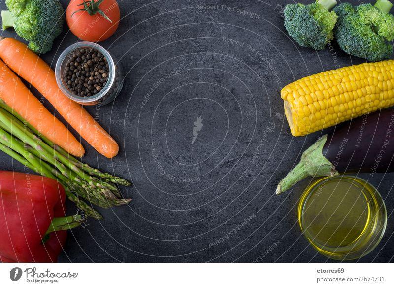 Gesunde Ernährung.Lebensmittel Ernährung.Gemüse auf schwarzem Stein. mediterran Diät Gesundheit Foodfotografie Fisch Getreide Nut Oliven oliv Erdöl Vitamin