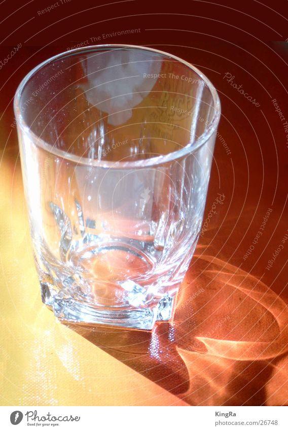 Auch ein leeres Glas ist schön 3 Whiskey rot Licht gelb Häusliches Leben Reflektion