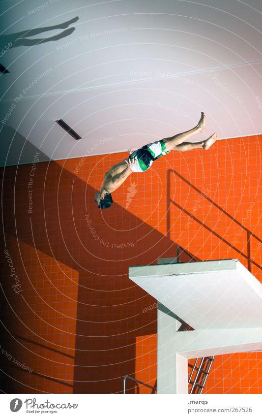 Overhead Mensch Jugendliche weiß schön Freude Farbe Erwachsene Sport Bewegung springen Stil orange Freizeit & Hobby maskulin verrückt 18-30 Jahre