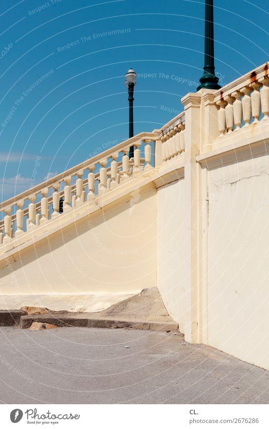 strandpromenade Ferien & Urlaub & Reisen Sommer blau Architektur gelb Wand Wege & Pfade Tourismus Mauer Treppe Schönes Wetter kaputt Wandel & Veränderung