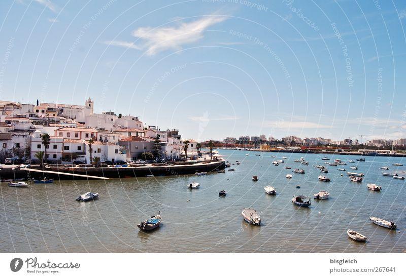 Ferragudo blau Wasser Ferien & Urlaub & Reisen Meer Sommer Strand ruhig Erholung Europa Schönes Wetter Hafen Gelassenheit Sommerurlaub Portugal Ruderboot