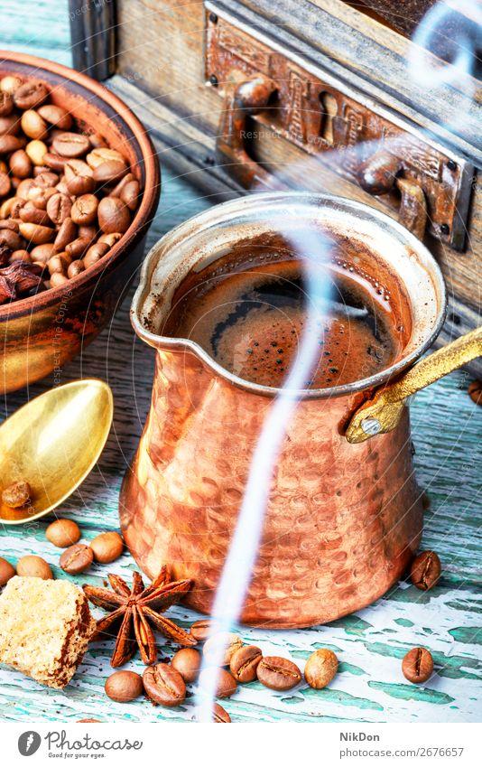 traditionelle Kaffeekanne cezve trinken Rauch Getränk braun Türkisch Koffein alt altehrwürdig Stil heiß arabisch kupfer Café dunkel Espresso retro Kantine