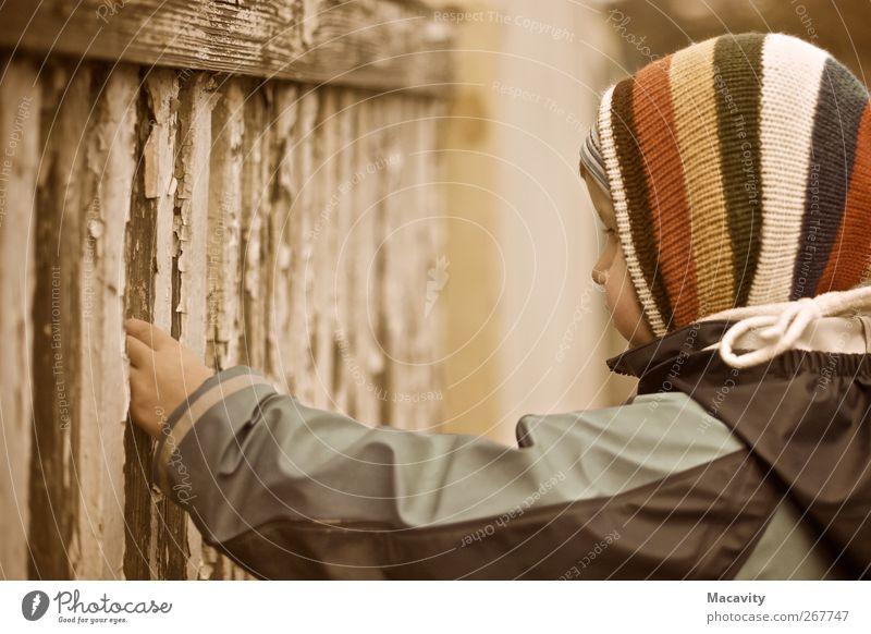 Afri- od Ameriko Mensch Kind Einsamkeit gelb Traurigkeit braun Kindheit Zufriedenheit trist Hoffnung Trauer beobachten festhalten Sehnsucht Kleinkind Zaun
