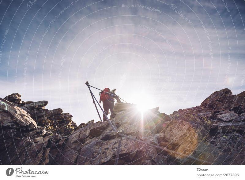 Aufstieg am Klettersteig Freizeit & Hobby Ferien & Urlaub & Reisen Expedition wandern Klettern Bergsteigen Junge Frau Jugendliche Natur Landschaft Sonne