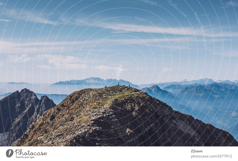 Wanderer auf dem Gipfel des Hirzer wandern Klettern Bergsteigen Menschengruppe Umwelt Natur Landschaft Himmel Sommer Schönes Wetter Alpen Berge u. Gebirge
