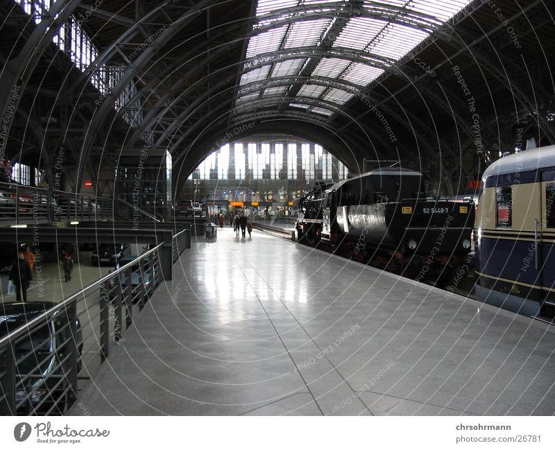 Bahnhof Leipzig Eisenbahn Bahnsteig Architektur Ferien & Urlaub & Reisen