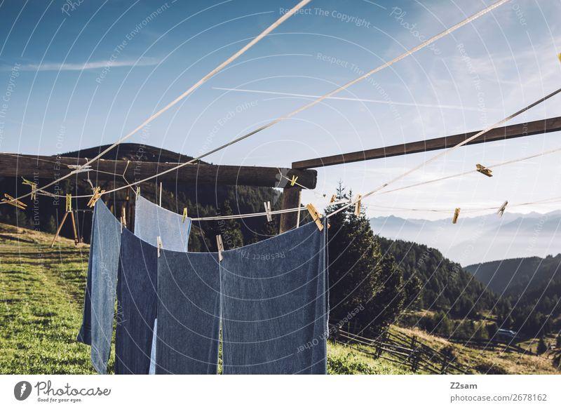 Wäsche auf der Almhütte Berge u. Gebirge wandern Natur Landschaft Sommer Schönes Wetter Alpen frisch natürlich Wärme blau grün Einsamkeit Erholung Idylle