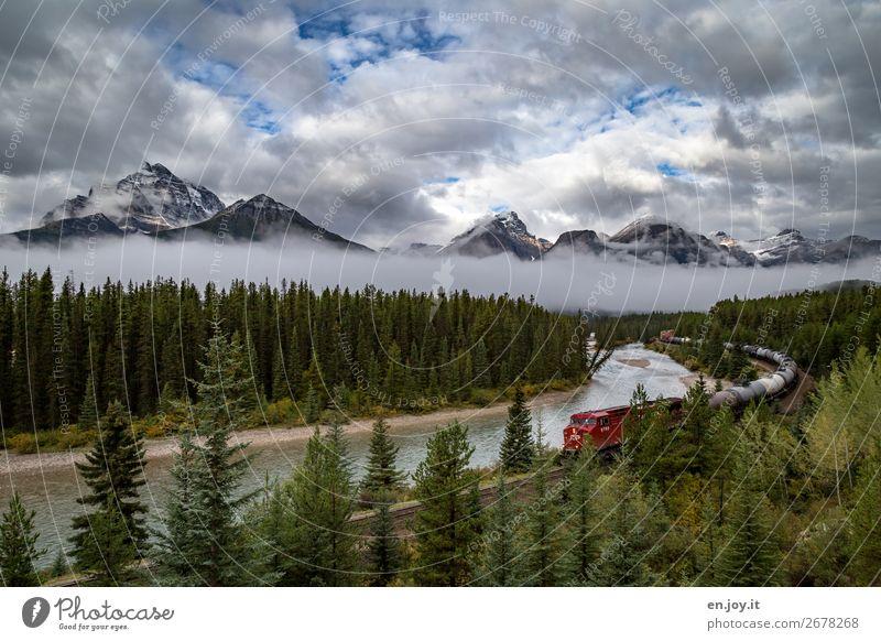 Zugspitze Ferien & Urlaub & Reisen Tourismus Ausflug Abenteuer Ferne Freiheit Sightseeing Expedition Berge u. Gebirge Umwelt Natur Landschaft Wolken Herbst