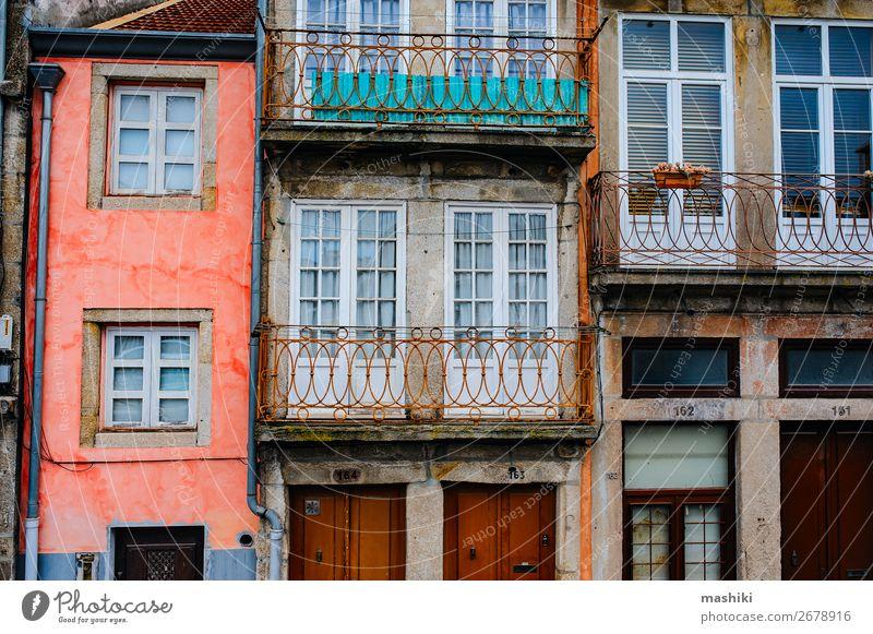 traditionelle Fassaden alter Häuser in Porto, Portugal schön Ferien & Urlaub & Reisen Tourismus Haus Kultur Stadt Stadtzentrum Gebäude Architektur Straße