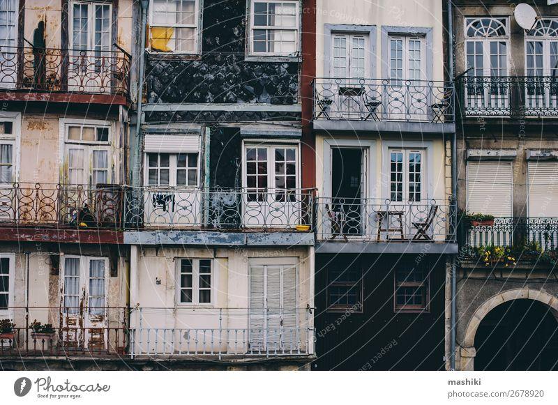 Ferien & Urlaub & Reisen alt Stadt Farbe schön Haus Straße Architektur Gebäude Tourismus Fassade Europa Kultur historisch malerisch Tradition