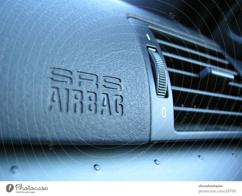 Safety First ... Airbag Fahrzeug fahren unterwegs PKW Makroaufnahme Nahaufnahme BMW car