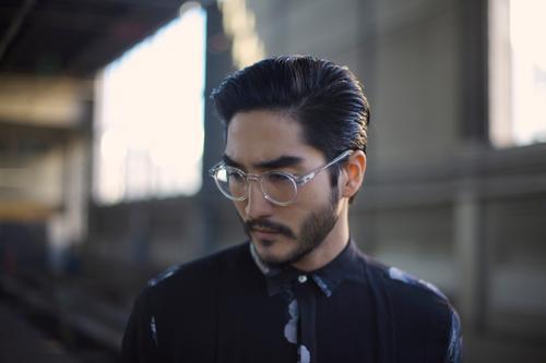 Ingenieur maskulin Junger Mann Jugendliche Erwachsene Kopf Haare & Frisuren Gesicht Bart 1 Mensch 18-30 Jahre 30-45 Jahre 45-60 Jahre ästhetisch klug blau grau