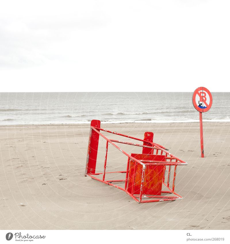 keine rettung in sicht Wasser Ferien & Urlaub & Reisen Meer Strand kalt Küste Schwimmen & Baden Wellen Schilder & Markierungen Ausflug Tourismus gefährlich