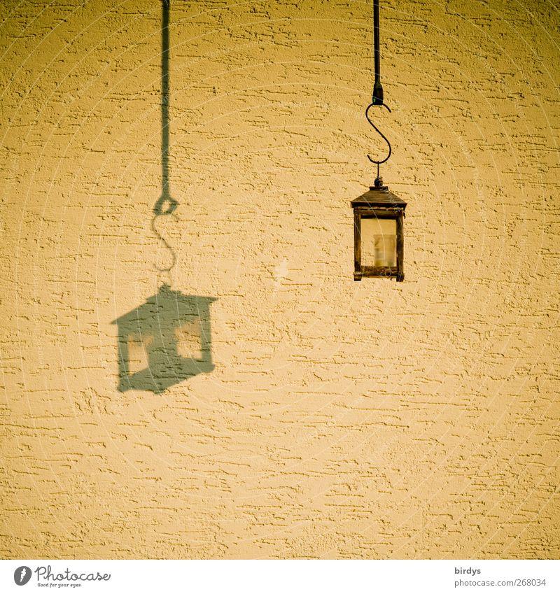 Laterne im Doppelpack schön gelb Wand Mauer Stil Lampe Stimmung Fassade außergewöhnlich ästhetisch leuchten Schnur Kitsch hängen gleich