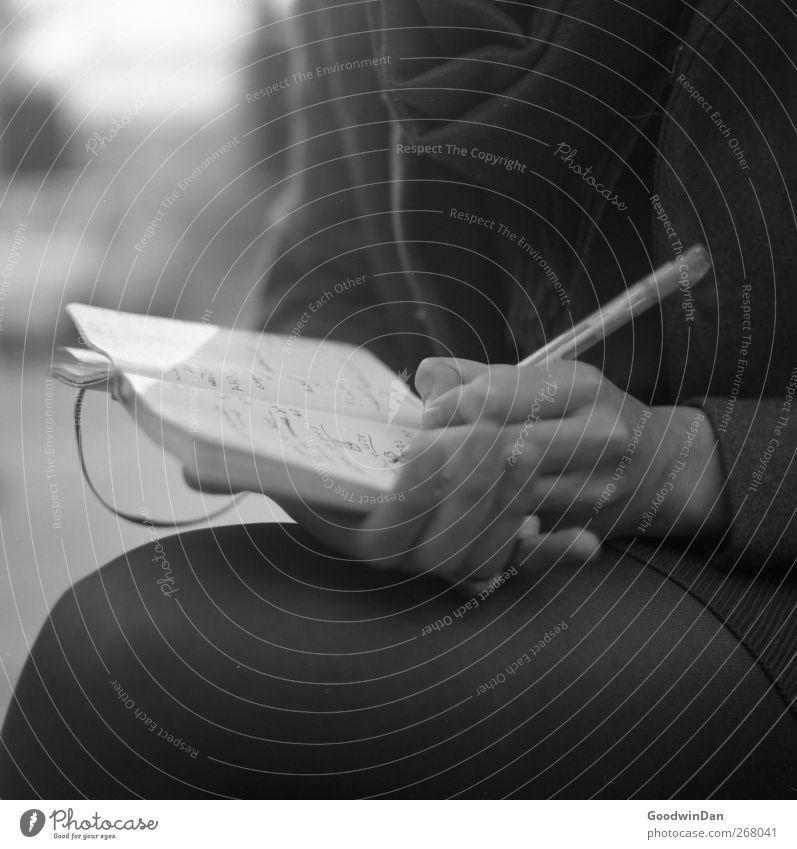 6th of August. Mensch Jugendliche feminin Denken Stimmung sitzen Junge Frau authentisch schreiben Schreibstift Kugelschreiber Tagebuch