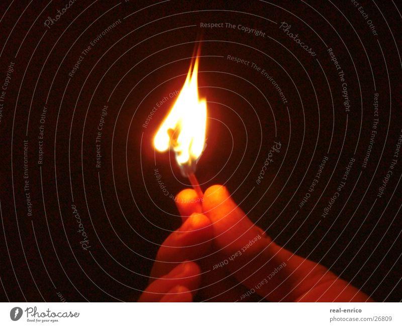 brennendes Streichholz Hand Licht Dinge Brand Wärme
